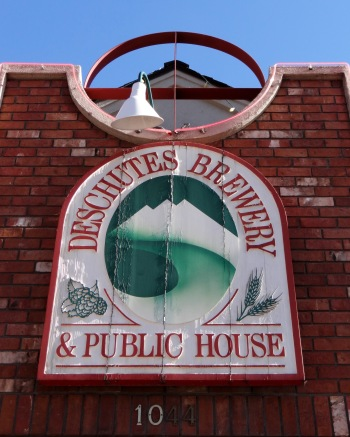 Deschutes_Sign