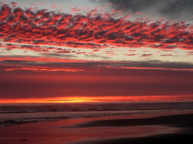 Sunset on the Oregon coast (Waldport) during our 2013 summer vacation.