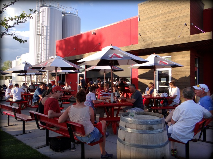 The patio at Avery on a Friday evening in July.