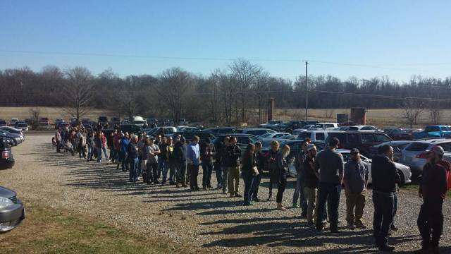 The line a little before 2 pm (photo courtesy of Tommy O'Brien).