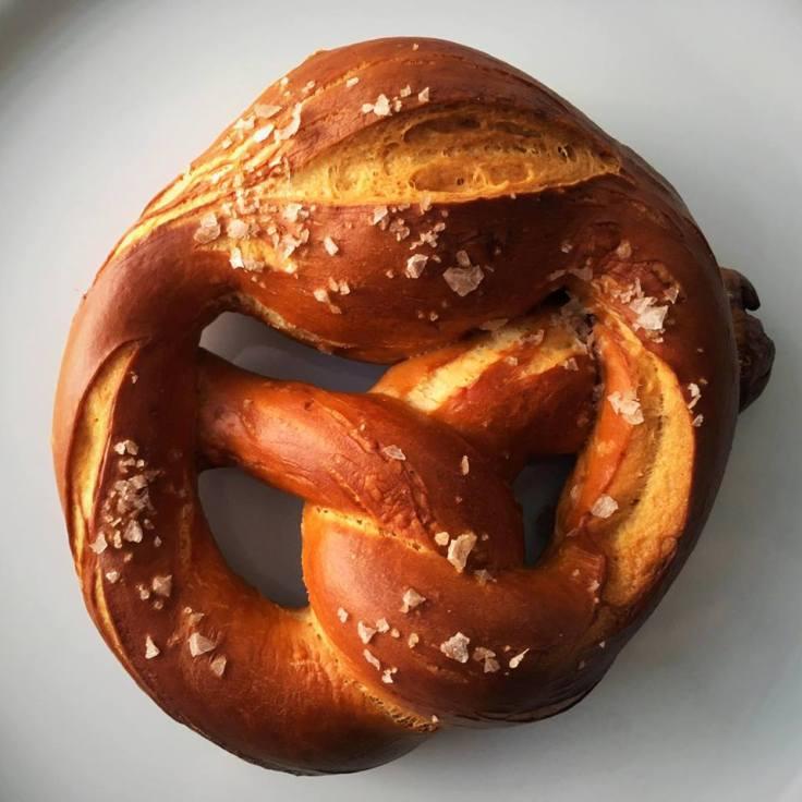 oktoberfest-tasting-pretzel