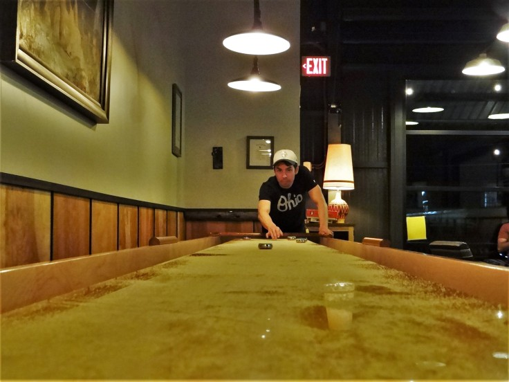 shuffleboard zero gravity_Spencer